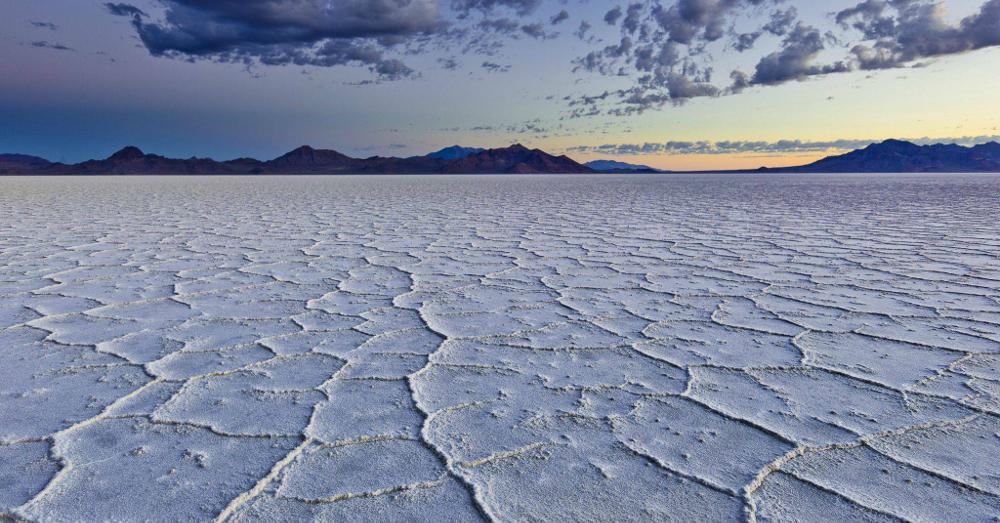 Bonneville Salt Flats, Utah (resized)