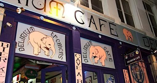 delirium-cafe outside